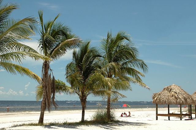 IND > Fort Myers, Florida: $77 round-trip- Mar-May