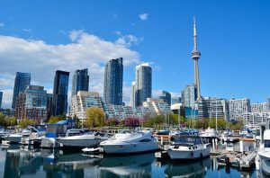 IND > Toronto, Canada: Flight & 6 nights: $421 – Sep-Nov
