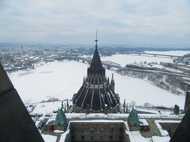IND > Ottawa, Canada: $221 round-trip- Sep-Nov (Including Fall Break)
