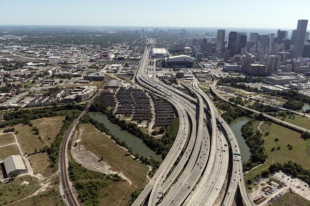 LAX > Houston, Texas: $131 round-trip- Dec-Feb (Including MLK Weekend)