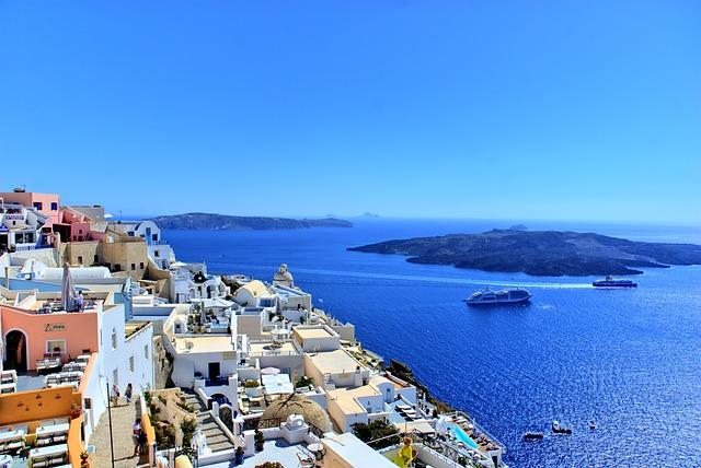 LAX > Thera, Greece: $680 round-trip Sep-Nov