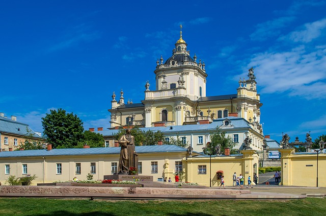 MIA > Lviv, Ukraine: $499 round-trip – Oct-Dec (Including Thanksgiving)