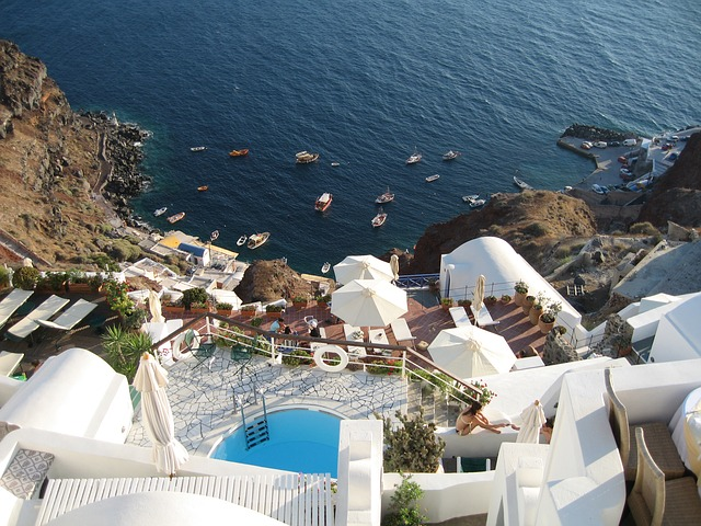 EWR > Thera, Greece: $667 round-trip- Sep-Nov