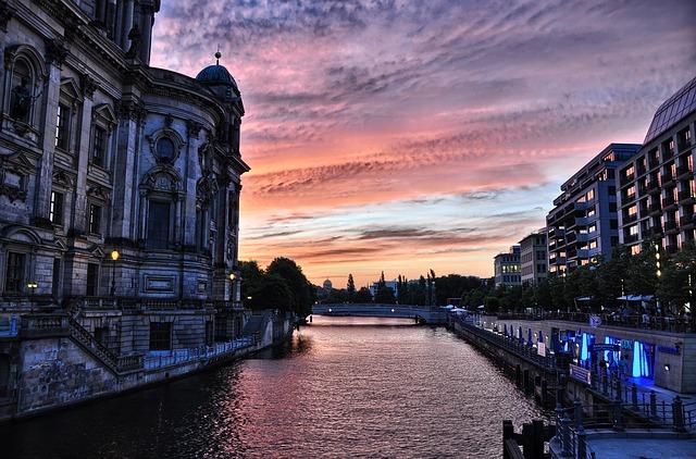 SFO > Berlin Germany: $518 including flight & 9 nights