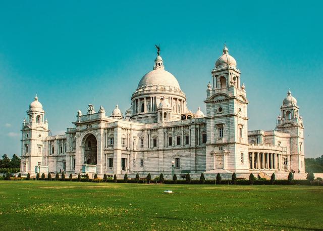 SFO > Kolkata, India: $519 round-trip – Oct-Dec