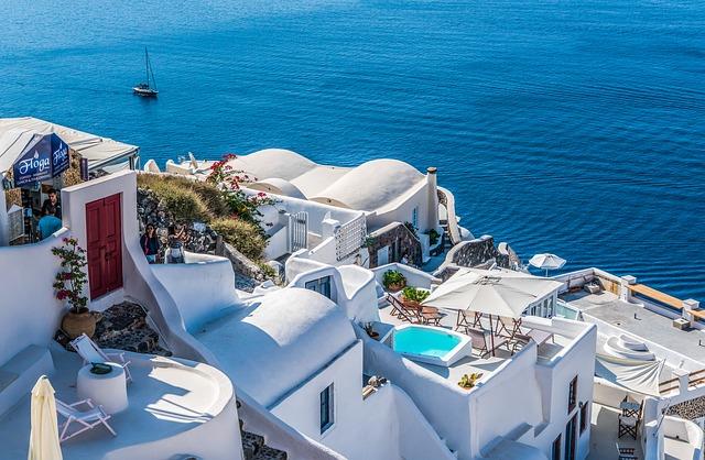 SFO > Thera, Greece: $564 round-trip- Oct-Dec