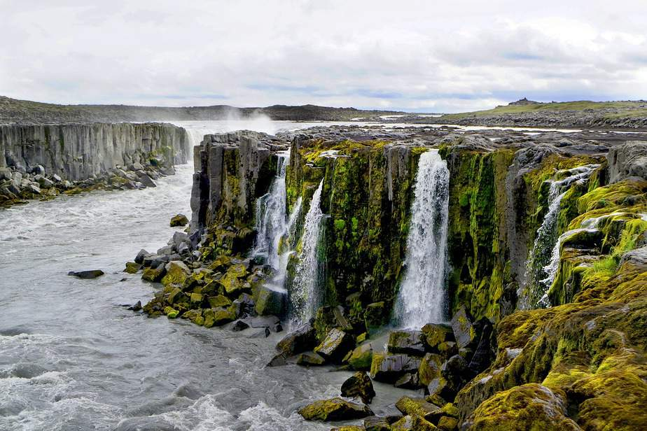 DEN > Reykjavik, Iceland: Flight & 4 nights: $498 – Aug-Oct