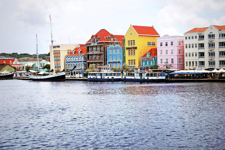 LAX > Willemstad, Curaçao: $577 round-trip- May-Jul (Including Summer Break)