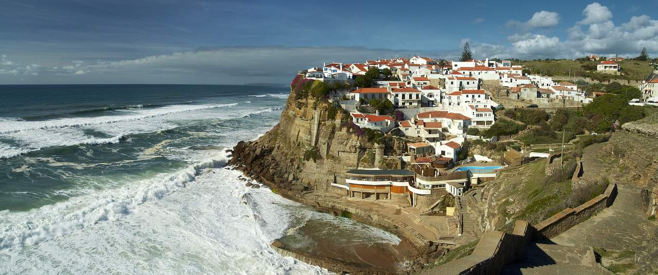 SFO > Porto, Portugal: $458 round-trip – Sep-Nov (Including Fall Break)