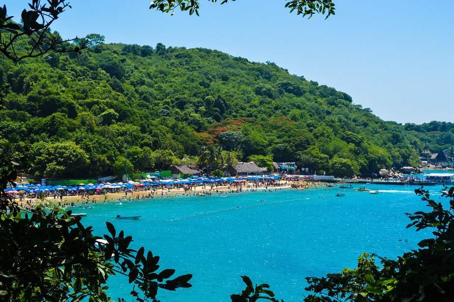 LAX > Acapulco, Mexico: $220 round-trip – Jan-Mar