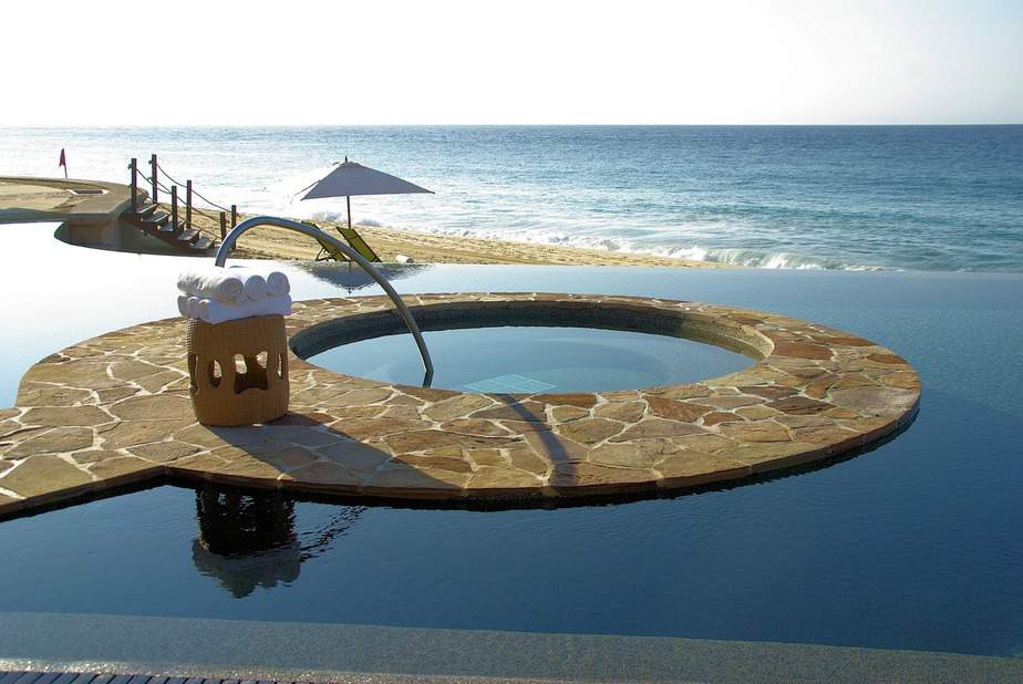DEN > San Jose del Cabo, Mexico: Biz from $682 Econ from $225.  – Dec-Feb