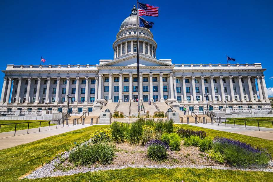 DEN > Salt Lake City, Utah: Biz from $317 Econ from $32. – Apr-Jun