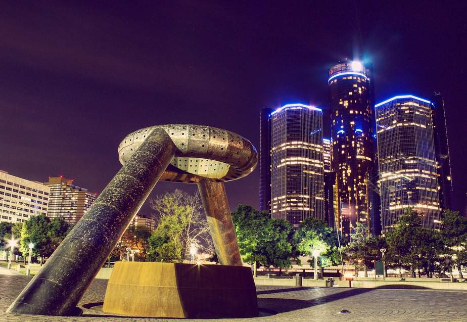 DEN > Detroit, Michigan: From $73 round-trip  – Jul-Sep (Including Summer Break)