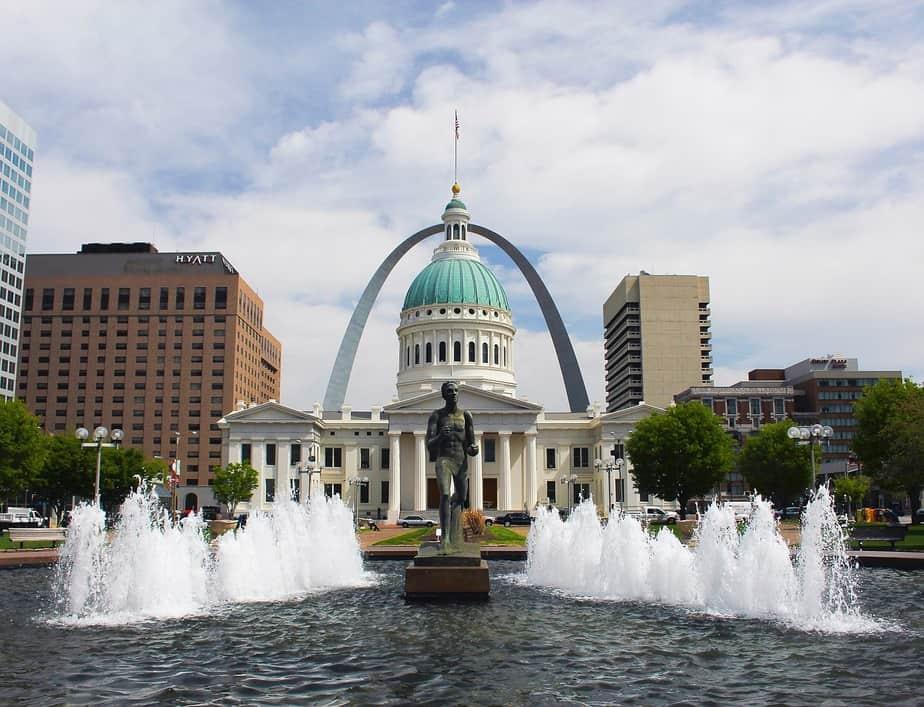 PHX > St. Louis, Missouri: From $166 round-trip – Jul-Sep