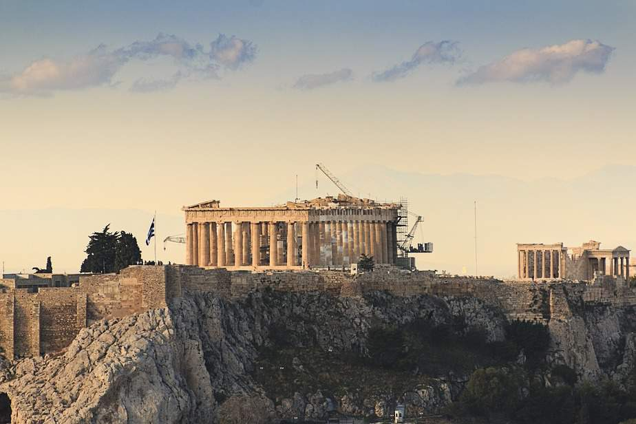 EWR > Athens, Greece: $452 round-trip – Apr-Jun