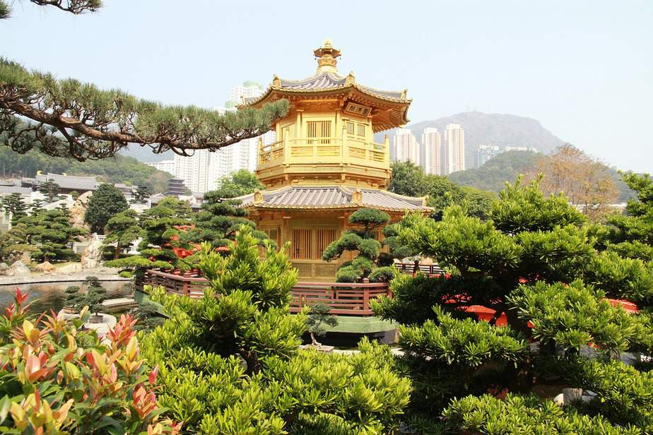 DEN > Hong Kong, Hong Kong: Flight & 5 nights: $576- Apr-Jun (Including Summer Break)