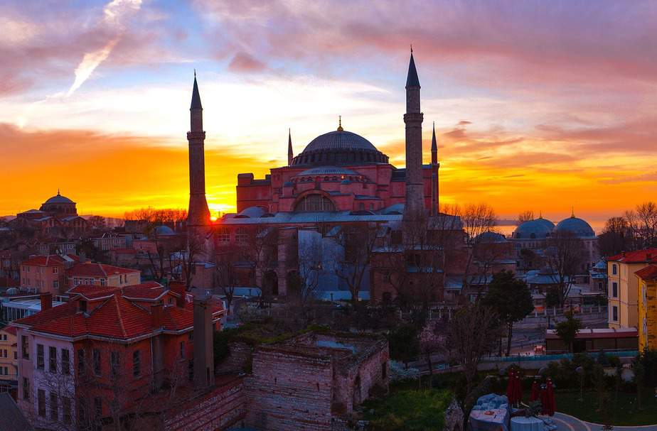 IND > Istanbul, Turkey: $583 round-trip- Mar-May