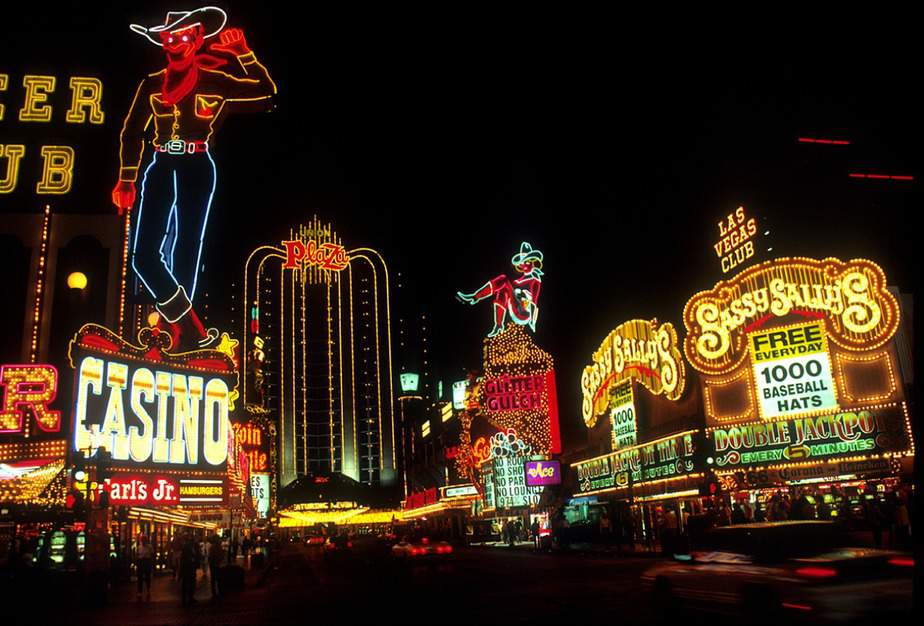 SEA > Las Vegas, Nevada: $57 round-trip – Oct-Dec