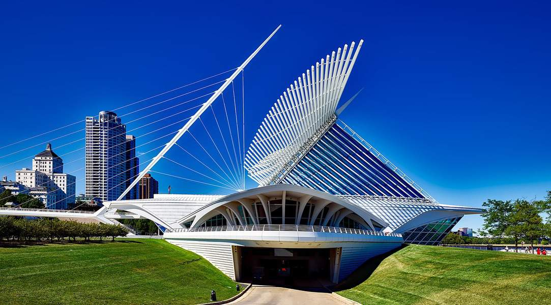 LAX > Milwaukee, Wisconsin: Econ from $88. – Feb-Apr (Including Spring Break)