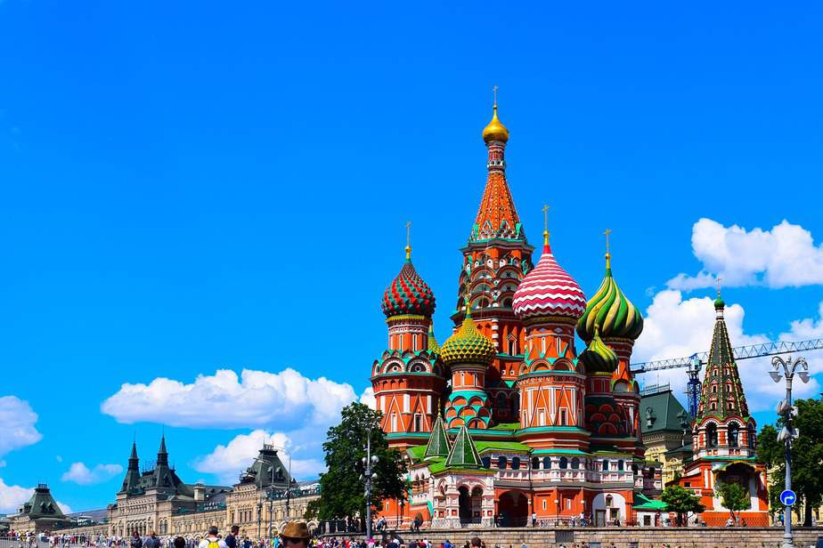 DEN > Moscow, Russia: Flight & 19 nights: $903 – Nov-Jan