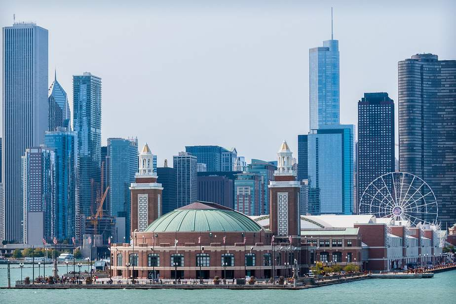 SNA > Detroit, Michigan: Econ from $110. – Oct-Dec (Including Thanksgiving)