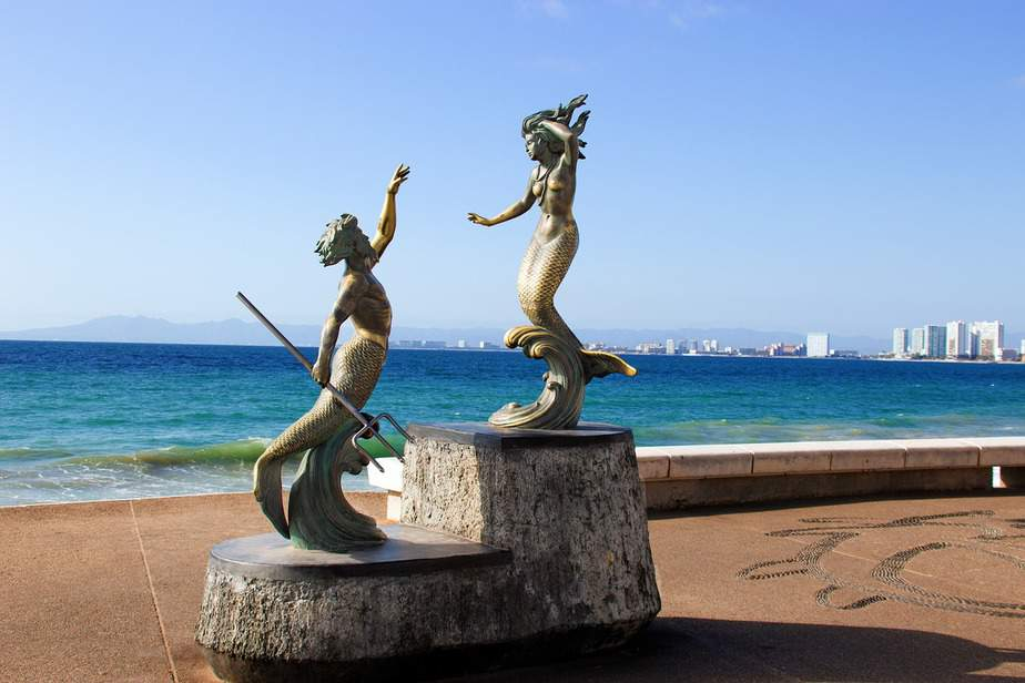DEN > Puerto Vallarta, Mexico: $208 round-trip – Mar-May