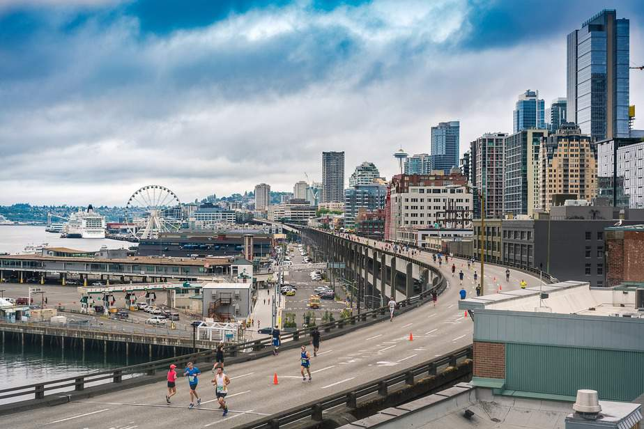 IND > Seattle, Washington: Econ from $109. Biz from $508 (Business Bargain). – Oct-Dec