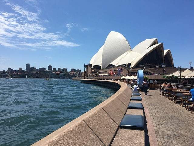 DEN > Sydney, Australia: Flight & 14 nights: $1,122 – Jan-Mar (Including President's Day Weekend)