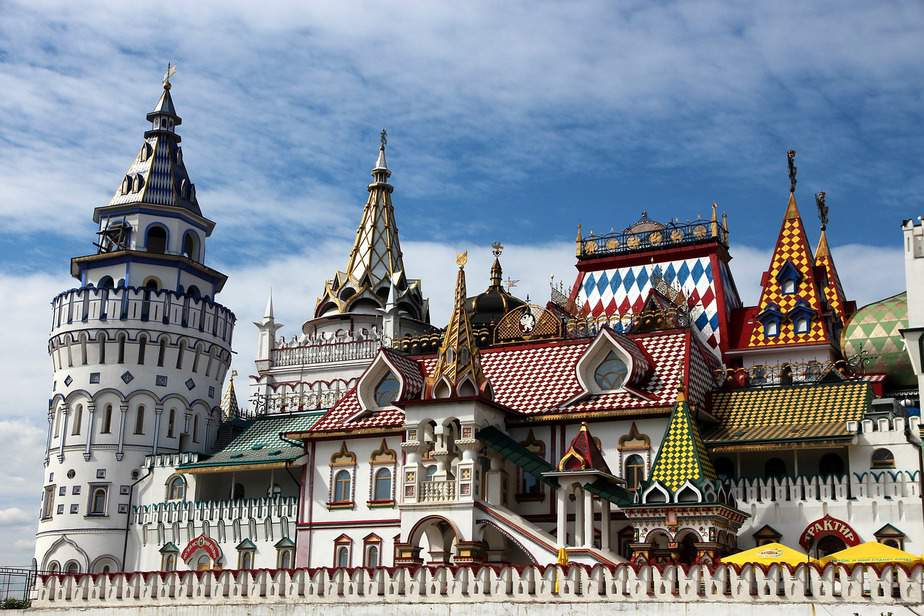 DEN > Moscow, Russia: Flight & 8 nights: $810- Feb-Apr