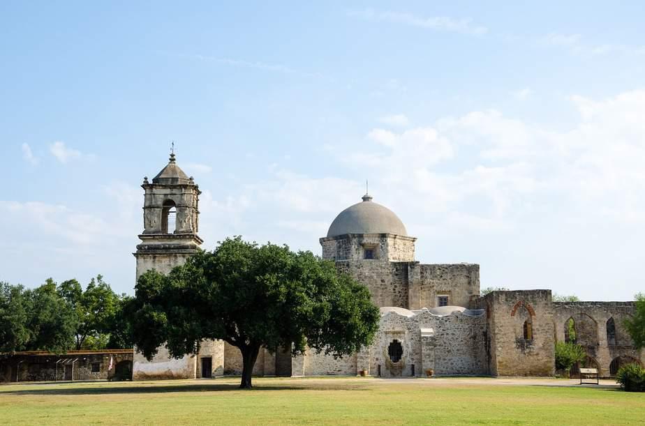 DEN > San Antonio, Texas: Econ from $93. – Sep-Nov